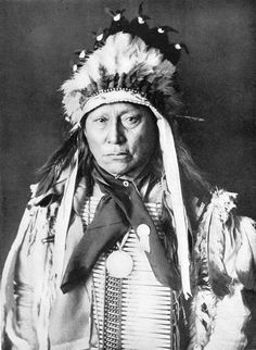 SIOUX NATIVE AMERICANS: A SIOUX CHIEF IN HIS WAR PAINT