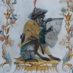 Château Chantilly - Charmant boudoir daté de 1737, entièrement décoré de peintures murales de Christophe Huet, la Grande Singerie représente un décor surabondant de singes et de magots chinois, à la mode du temps. Les salons ornés de décors de singes et de chinois sont fréquents dans les hôtels particuliers ou châteaux du XVIII ème siècle. | Anthropomorphisés dans leurs attitudes et occupations, ces singes nous rappellent avec humour notre appartenance au règne ... animal.