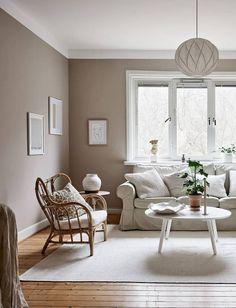 Small beige studio home Beige Room, Beige Living Rooms, Paint Colors For Living Room, Beige Walls, Living Room With Fireplace, Home Living Room, Living Room Designs, Living Room Decor, Apartment Living