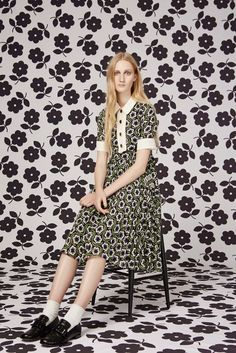 Orla Kiely Pre-Fall 2016 Fashion Show  Orla Kiely's lookboks and runway shows are never particularly diverse....   http://www.vogue.com/fashion-shows/pre-fall-2016/orla-kiely/slideshow/collection#4