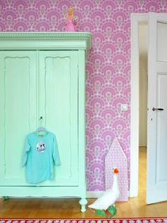 colorama-boligdroemme-mint-groen-skab-skabe-malet-maling-karlekammerskab-bolig-indretning
