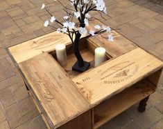 Pallet Home Decor, Pallet Furniture, Pallet Creations, Family Room, Table, Creative, Diy, Painting, Log Cabins