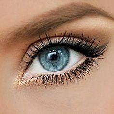 eyes makeup blue natural