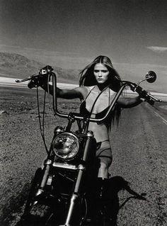 Harley Davidson News – Harley Davidson Bike Pics Lady Biker, Biker Girl, Female Motorcycle Riders, Motorcycle Girls, Motorcycle Gear, Motorcycle Museum, Motard Sexy, Chicks On Bikes, Husqvarna