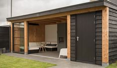 Combination of black and wood - Innen Garten - Eng Backyard Sheds, Backyard Patio Designs, Pergola Patio, Backyard Landscaping, Back Gardens, Outdoor Gardens, Summer House Garden, Wooden Gazebo, Outdoor Kitchen Bars