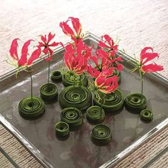 What an amazing center piece. Deco Floral, Art Floral, Floral Design, Contemporary Flower Arrangements, Hotel Flowers, Sogetsu Ikebana, Vase Arrangements, Japanese Flowers, Flower Decorations