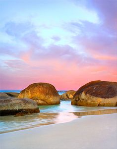 ✯ Round Rocks Sunset - William Bay, Denmark