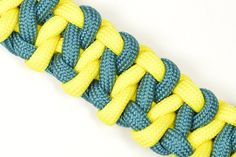 "Make the ""Armadillo"" Design Paracord Survival Bracelet - BoredParacord.com"