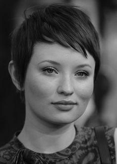 Pixie Cropped. Rounded face #short #hair #cut #woman