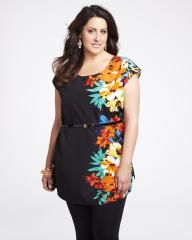 #AdditionElleOntheRoad  tropical flower print tunic | Shop Online at Addition Elle Elle Fashion, Addition Elle, Tropical Flowers, Plus Size Blouses, How To Feel Beautiful, Flower Prints, Tunic Tops, My Style, Casual
