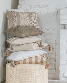 Laundry Basket, Wicker, Caribbean, Throw Pillows, Bed, Home Decor, Cushions, Homemade Home Decor, Stream Bed