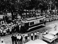 «Le Rocket», le premier tramway électrique de Montréal photographié ici en août 1954 Photos Du, Old Photos, Tramway, Of Montreal, Public Transport, Far Away, Transportation, Street View, Canada