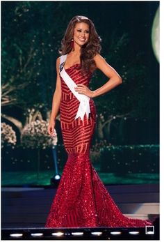 Pageant Dresses: How to Style, Pose and Walk - Pageant Planet Miss USA 2014 Nia Sanchez competing at Miss Universe 2014 Pageant Makeup, Beauty Pageant, Pageant Dresses, Pageant Tips, Miss Usa, Miss Univers 2014, Miss Dress, Dress Up, Camo Homecoming Dresses