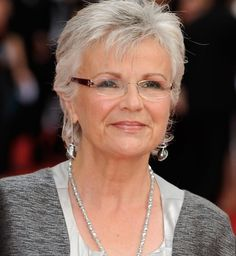 Julie Walters biography, images and filmography. Read and view everything you want to know not only about Julie Walters, but you can pick the celebrity of your choice. Shaggy Bob Hairstyles, Over 60 Hairstyles, 2015 Hairstyles, Short Hairstyles For Women, Chic Short Hair, Short Grey Hair, Short Hair Cuts, Gray Hair, Hair Styles 2014