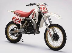 Satoru Shoji's All Japan Championship winning works Yamaha YZM 125 Enduro Motocross, Motocross Racing, Racing Motorcycles, Enduro Vintage, Vintage Motocross, Vintage Bikes, Mx Bikes, Yamaha Bikes, Side Car