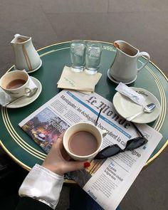 Aesthetic Coffee, Beige Aesthetic, Aesthetic Food, Aesthetic Beauty, Quote Aesthetic, Coffee Date, Coffee Break, Cakepops, Momento Cafe