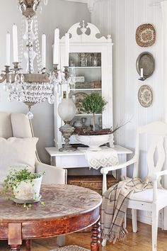 Shabby Chic...like the mix of stained wood and white pieces #lovesrealestate
