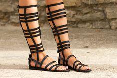 Sandalias estilo gladiador de tiras de cuero de Zara