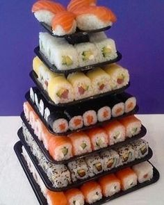 I use to dislike raw sushi  but im into them right now I want some sushi. My favorite since i was a kid. I just don't like wasabi sauce. This is my kind of birthday cake lol   #sushilover