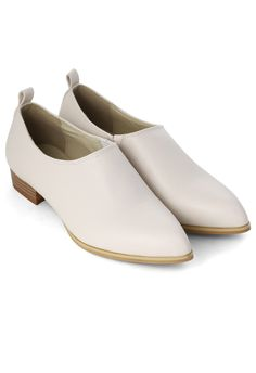 Chic Pointed Loafers