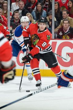 CHICAGO, IL - FEBRUARY 25: Patrick Kane #88 of the Chicago Blackhawks skates towards the net during the NHL game against the Edmonton Oilers on February 25, 2013 at the United Center in Chicago, Illinois. (Photo by Bill Smith/NHLI via Getty Images)