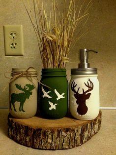 Mason jar crafts diy - Items similar to hunting mason jars on Etsy Mason Jar Projects, Mason Jar Crafts, Mason Jar Diy, Crafts In A Jar, Painted Mason Jars, Diy Deco Halloween, Creative Crafts, Diy And Crafts, Wine Bottle Crafts