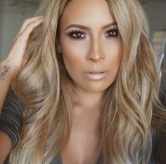 Schicke Dunkel Blonde Haarfarbe Ideen - Frisuren Fur Frauen