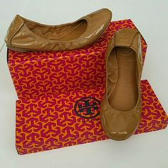 Tory Burch Nude Patent Flats (Size 6) Tory Burch nude patent flats - size 6 Lined leather. I'm a size 6, but these fit too snug tight for me.  Note: Pic #3 shows a teeny tiny scuff around the thread.  But no pilling on the thread.  Other than that its in great condition.  I could include a dust bag and this box with the purchase.  Please Note that its not a TB dust bag and not the original shoe box. Tory Burch Shoes Flats & Loafers