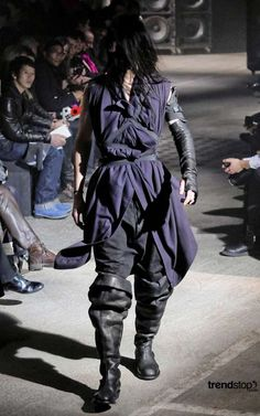 30 Apocalyptic Fashion Shoots - From Post-Apocalypse Menswear to TV-Smashing Pictorials (CLUSTER)