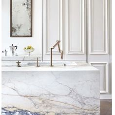 I have no words   #empireofstyle #marble #kitcheninspo #interiordesign #stunning #brasstapwear via blakes London