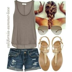 I like easy outfits like this (not the sandals)