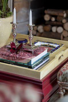 Decoração de: Detalhes; castiçal médio de prata; Casa de Valentina