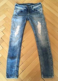 Kupuj mé předměty na #vinted http://www.vinted.cz/damske-obleceni/dziny/15080855-svetle-dziny-kalhoty-znacky-pepe-jeans