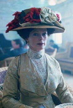 Frances Fisher - 'Titanic' (1997)