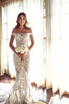 Obsessed with this #jatoncouture bride. OMG | Elegant Shangri-La Boracay Wedding | Philippines Wedding Blog