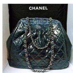 Tip: Chanel Handbag (Navy)