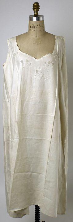 Whitework-embroidered sleeveless linen chemise, Polish, 1870-1889.
