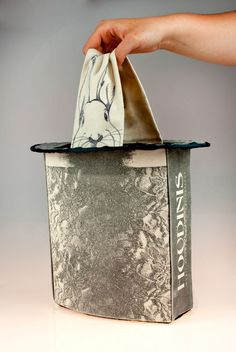 wantwantwant so bad. houdini magic store shopping bag with handle / top hot with secret rabbit!