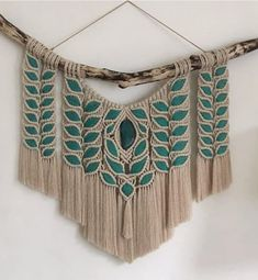 Beautiful ideas with macramé - I die of love for deco Macrame Owl, Macrame Knots, Micro Macrame, Diy Dream Catcher Tutorial, String Crafts, Macrame Curtain, Macrame Design, Macrame Projects, Macrame Tutorial
