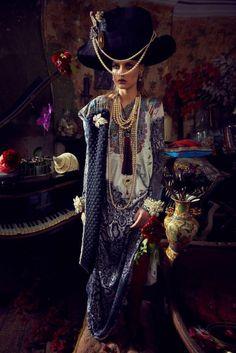 https://eurekacrystalbeads.files.wordpress.com/2013/10/camilla-autumn-winter-2013-2014-fashion-trends-5-600x899.jpg