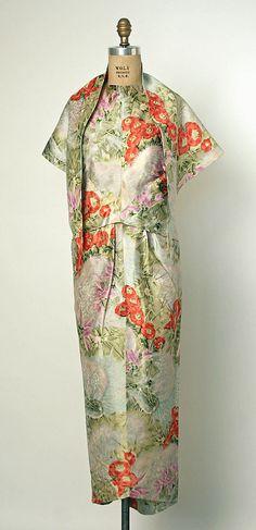 Evening ensemble, balenciaga, ca. 1960, silk, gift of Mers. Diana Vreeland, 1968, Metropolitan Museum of Art