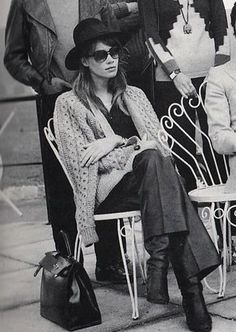 françoise hardy look French Girl Style, French Girls, French Chic, 70s Fashion, French Fashion, Girl Fashion, Vintage Fashion, Timeless Fashion, Street Fashion