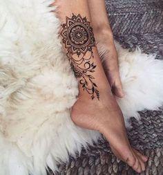 immagine-tatuaggio-mandala-sulla-caviglia - Lei Trendy
