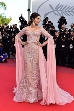 "Sonam Kapoor wore a custom pink Elie Saab Haute Couture embroidered gown with exaggerated sleeves to ""The Meyerowitz Stories"" premiere during the 2017 Cannes Film Festival. Bridal Outfits, Dress Outfits, Fashion Dresses, Party Kleidung, Dress Sketches, Frack, Vintage Inspired Dresses, Fashion Mode, Bollywood Fashion"