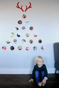 This is a great way to get the kids involved for a holiday photo project. Create a family photo tree with your favorite 2014 memories.