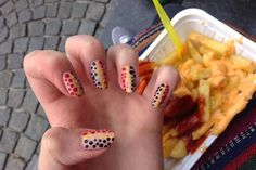 Shake & Paint: A trip to Belgium… #nailart #nailporn #manicure #chips #brussels #citybreak