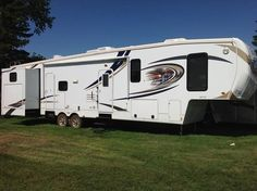 2013 Heartland RV Elkridge for sale by owner on RV Registry  http://www.rvregistry.com/used-rv/1008911.htm
