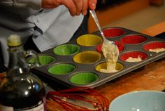 Briose inecate-n bere Chocolate Fondue, Desserts, Food, Tailgate Desserts, Deserts, Essen, Postres, Meals, Dessert