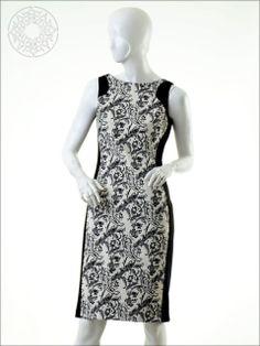 http://www.belginmoda.com/3444-01-Elbise,PR-360.html Pınar Şems 3444-01 Elbise Kumaş  : % 42 Polyester                  % 55 Pamuk                            %   3  Likra Manken : 38 Beden Ürün     : 38 Beden Desen   : Siyah işlemeler Renk     :  Siyah