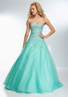 Exquisite A-line Crystal Detailing Tulle Sweetheart Floor-length Prom Dresses